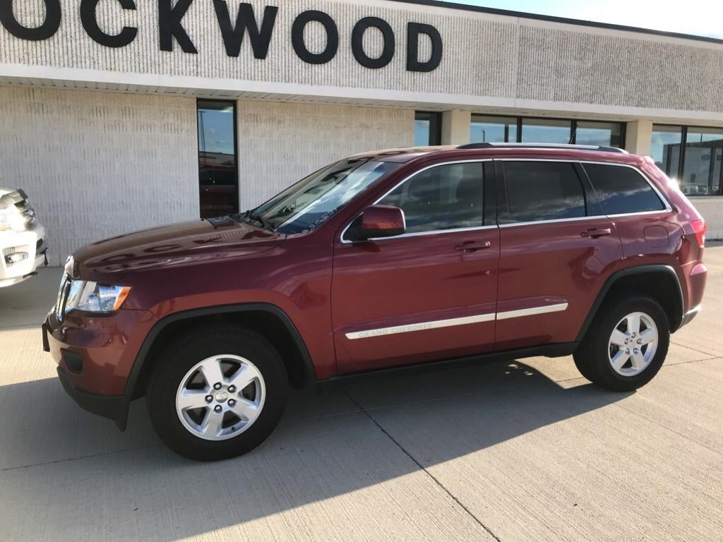 Used 2013 Jeep Grand Cherokee Laredo with VIN 1C4RJFAG1DC548516 for sale in Marshall, Minnesota